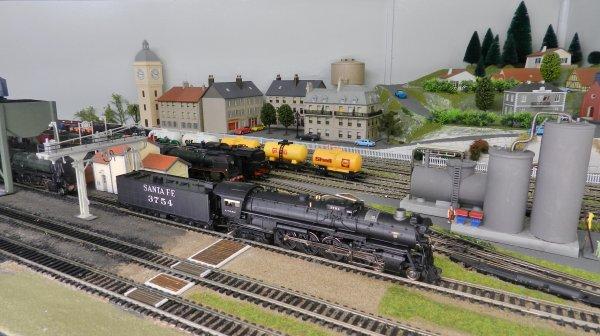 Mon réseau - Locomotive US digitale sonorisée, la 4-8-4 Santa Fe 3754 (2)