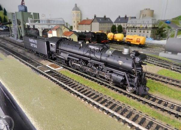 Mon réseau - Locomotive US digitale sonorisée, la 4-8-4 Santa Fe 3754 (5)