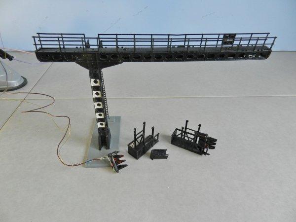 Mon réseau - Potence de signalisation à deux nacelles ,modèle Jouef (2)