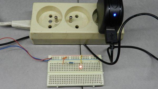 Mon réseau - Potence de signalisation à deux nacelles - Diodes leds et résistances (6)