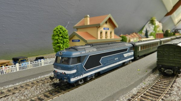 Mon résaeu - Rame de voitures ex:DR+loco BB67409 digitalisée dcc (1)