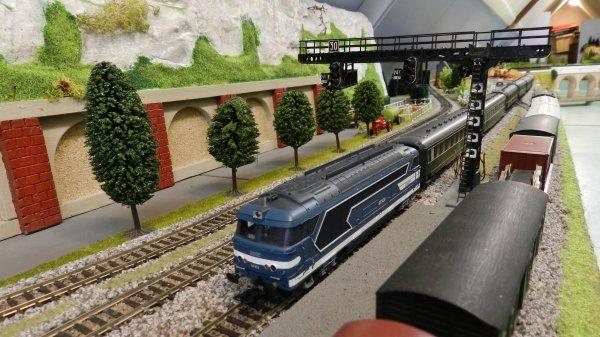 Mon résaeu - Rame de voitures ex:DR+loco BB67409 digitalisée dcc (4)