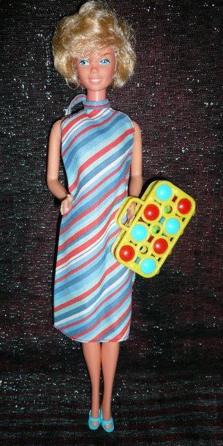 Pretty Changes Barbie porte la tenue n° 1361 de 1980