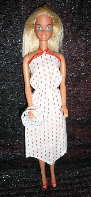 Barbie porte la tenue n° 2773 de 1979
