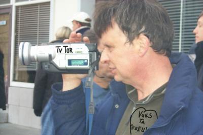 **********  ATTENTION, RIEN N'ECHAPPE A TV-TOR !!! **********