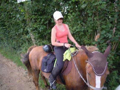 voici quelque photho de moi et mon cheval