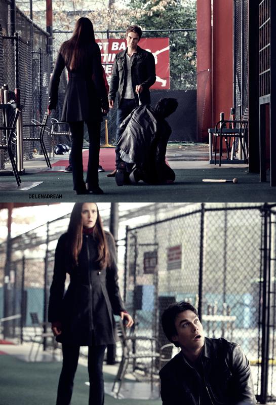 Saison 3 Episode 19 :  Tyler fait son retour à Mystic Falls – Elena et Damon partent ensemble afin de s'assurer que Jeremy est en sécurité à Denver, et pour voir si ses capacités uniques peuvent les aider à trouver l'information qu'ils cherchent sur des anciennes lignées de vampires. Ils ne vont pas tarder à apprendre que Jeremy fréquente les mauvaises personnes. Stefan et Klaus atteignent les extrêmes dans leur recherche de l'arme manquante. Caroline est ravie lorsque Tyler fait son retour en ville, mais Tyler suspecte quelque chose entre Caroline et Klaus. Matt fait tout son possible pour tenter de garder Rebekah occupée en organisant la prochaine « Decade Dance » basée sur le thème des années 20.