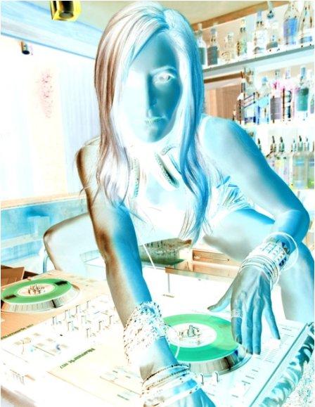 http://www.rwinamix.org/dj-remix/Dj_Mourad_-_Reggada.html