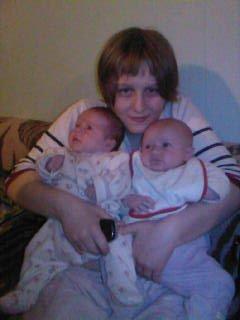 ma soeur angie avec ma soeur grazou et ma niece amy-keys