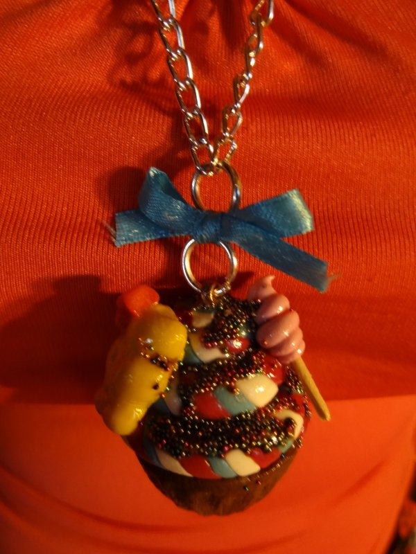 Collier cupcake gourmand