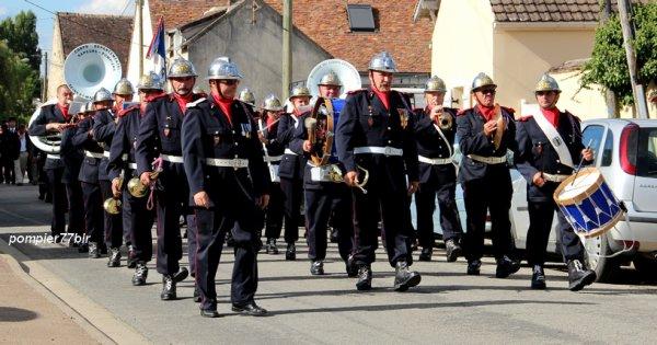 Défilé de la Musique du Corps Départemental des Sapeurs-Pompiers de Seine-Et-Marne (77)
