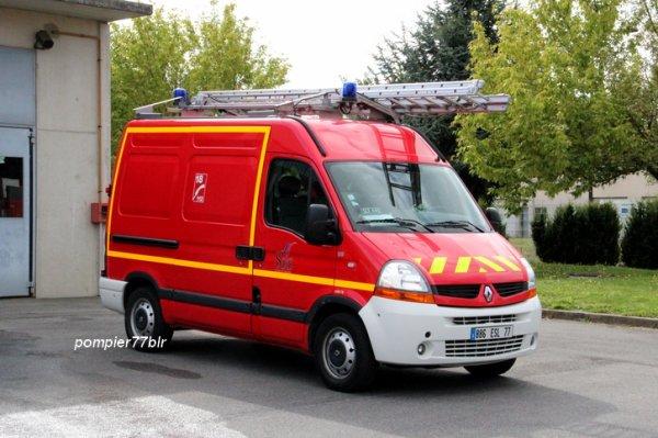 VTU SLT 445 ( CIS Savigny-Le-Temple 77 )