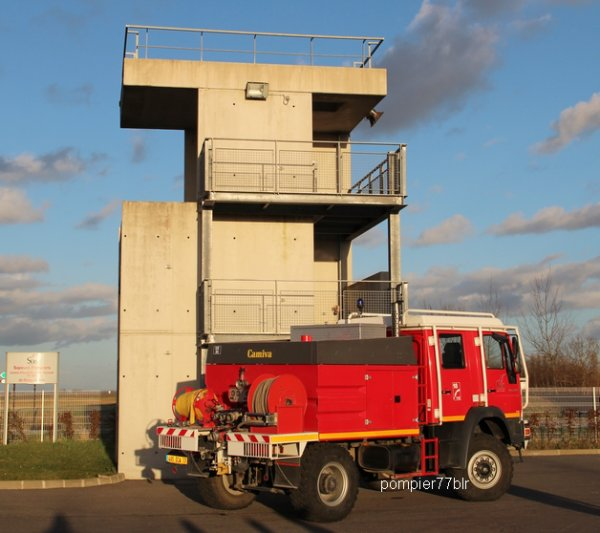 CCF RZB 393 ( CIS ROZAY EN BRIE 77 )