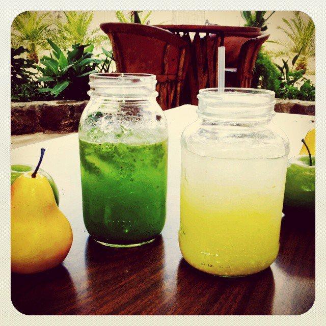Aguas de Pepino/Limon/Chia y Guayaba