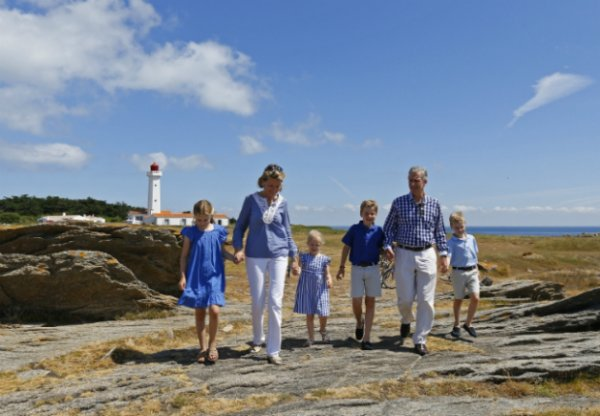 Le roi Philippe et la reine Mathilde de Belgique en vacances sur l'île d'Yeu
