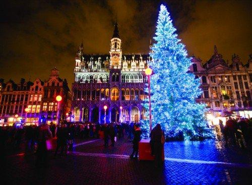 La Grand Place retrouve un vrai sapin pour la12e édition des Plaisirs d'Hiver