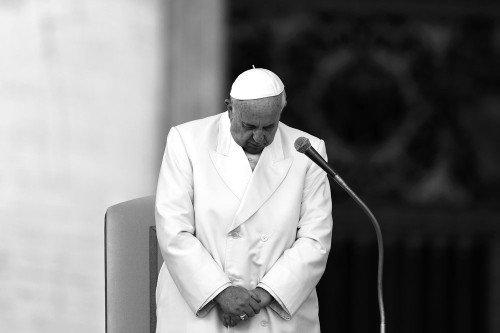 Première en Italie : le pape François excommunie un prêtre soupçonné de pédophilie