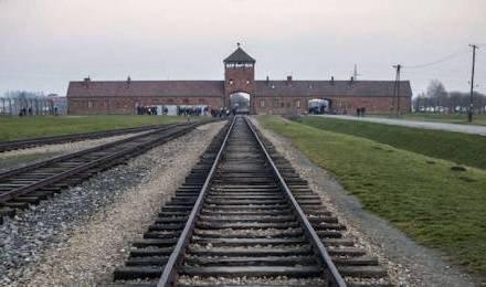 Dieu est-il mort à Auschwitz ?