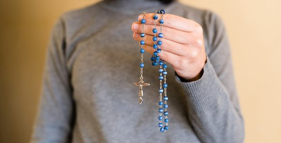 « Récitez votre chapelet et gardez l'esprit en paix »