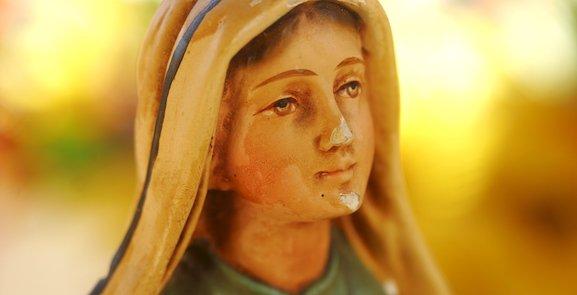 Quand Bernadette se confie à la Vierge Marie