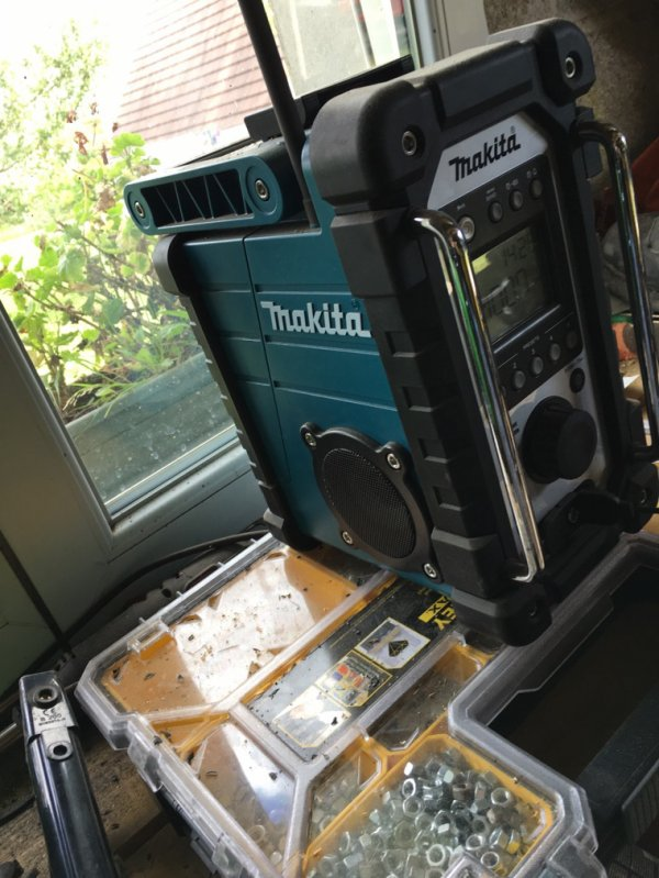 Voici ma radio de chantier makita