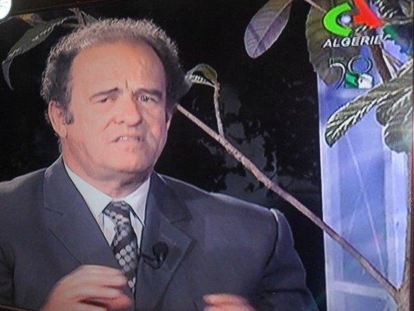 Mr Abdelkader Bendamèche invité de Qahoua oue latey de l'ENTV