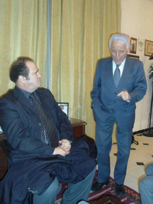 Mr Abdelkader Bendameche    et  Mr Ali Haroun   en son cabinet  à Alger