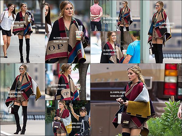 . 28/07/14 : Olivia a été aperçue dans New York faisant ses courses et allant à un photoshoot près de sa résidence new yorkaise. .