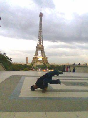 B-bOy SaiD BREAK DANCE