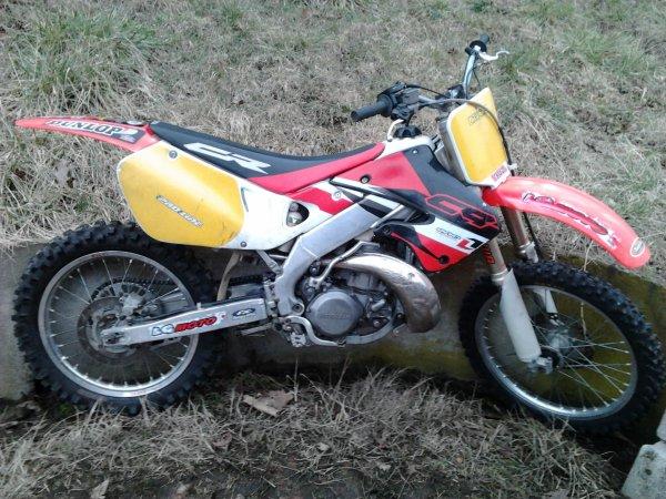 Derniere moto 250 CR