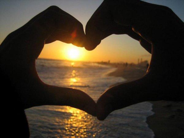 La vie m'a appris une chose croire on soit même et aimer ce qui t'aime ! :)