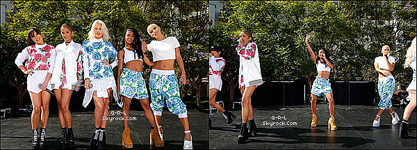 """08-06  - Les filles présentes au """"Brides Live Weddings"""", le mariage de Valentina et Eric. • Les filles étaient pour l'occasion toute accordées, avec des motifs à fleurs bleu ou rose et avec une touche de blanc. Magnifique"""