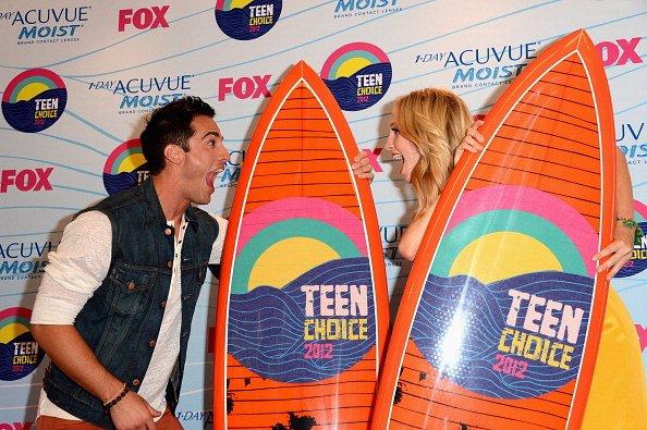 Le 22 Juillet 2012 Nina, Ian, Paul et le cast de Vampire Diaries étaient présents aux ''Teen Choice Awards 2012''..