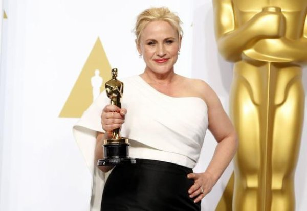 PATRICIA ARQUETTE WINS BEST SUPPORTING ACTRESS CATEGORY
