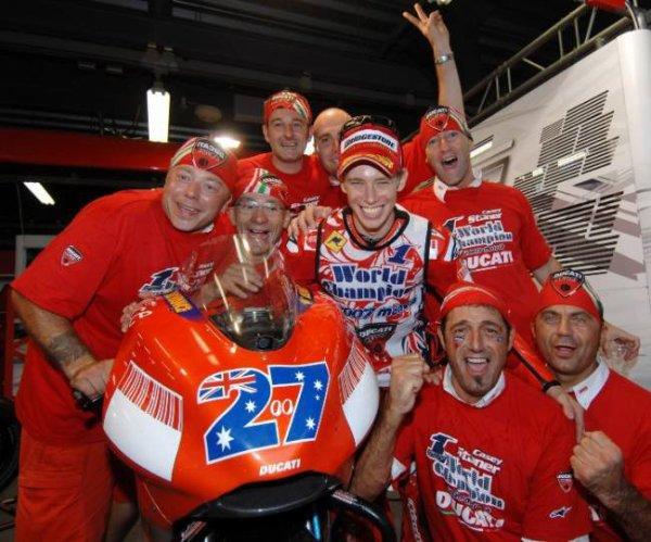 . 2007 Casey est champion du monde de MotoGP !! .