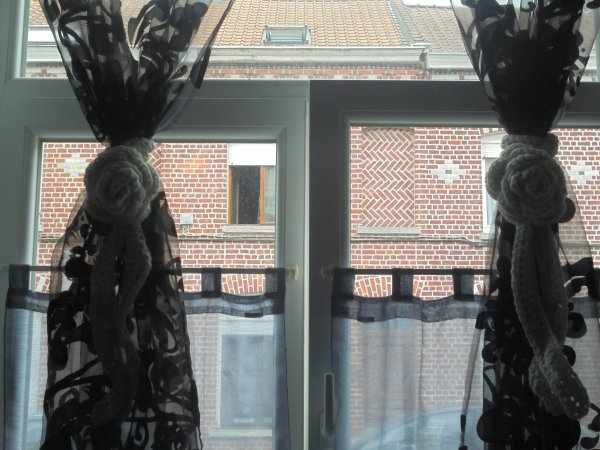 embrasses pour mes rideaux blog de bebetricot59200. Black Bedroom Furniture Sets. Home Design Ideas
