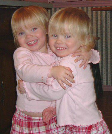 Mes petites soeurs (jummelle)3.
