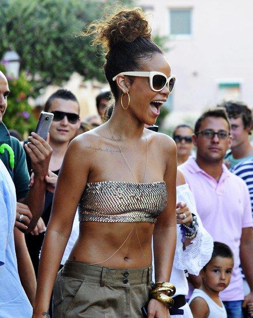 Rihanna .