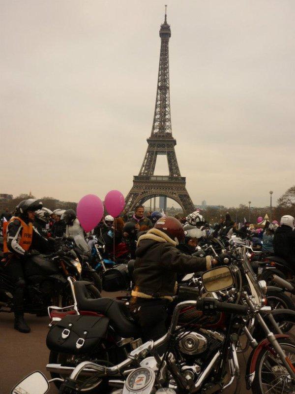 Défilé parisien Toutes en Moto 2013