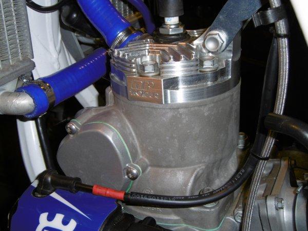 HUSQVARNA 300cc 2T SPECIALE SABLE NRmoteur