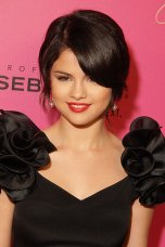 Selena Gomez                         3e partie de blog