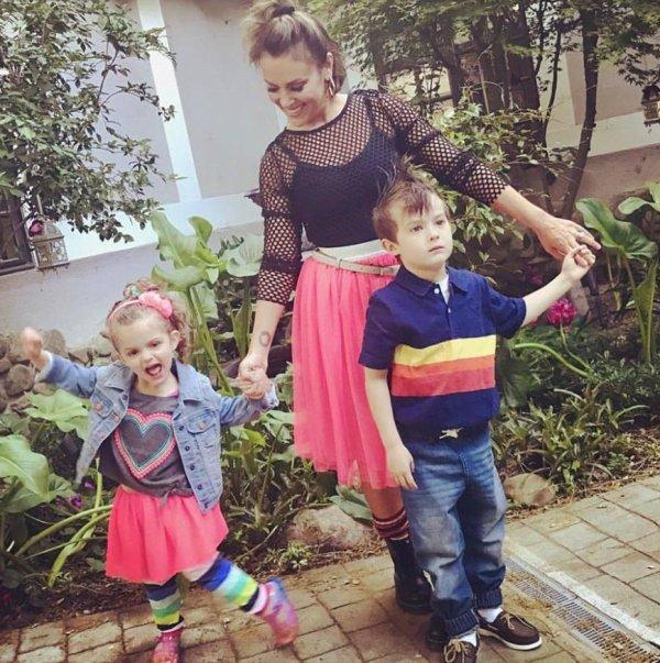 Alyssa Milano, Milo et Elizabella