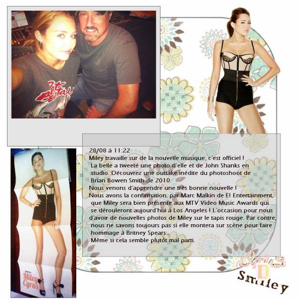 28:08:2011 MTV à Los Angeles + Make up de Miley
