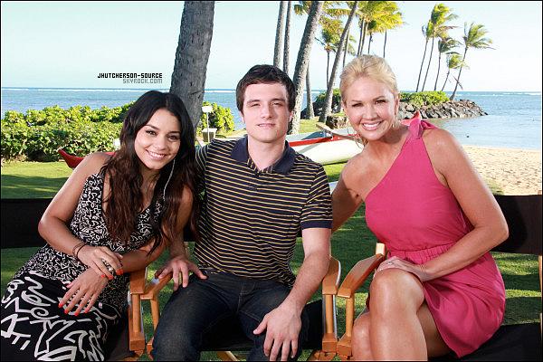__________╭ Interview ╮ 22 Janvier 2012 - Voici les photos de Josh et Vanessa avec la présentatrice à Hawaii. .