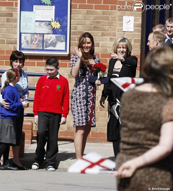 Kate en visite dans une école primaire