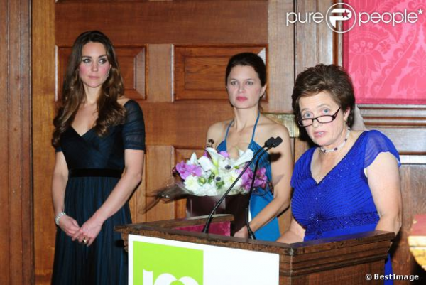 Kate pour un dîner de gala au profit de l'association Action on Addiction