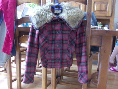 Veste écossaise fourrure rouge Zara