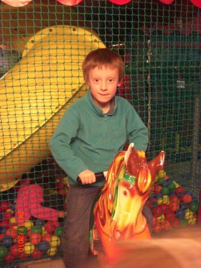 Anniversaire Tom 6 ans journée a dinoland