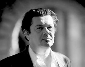 → News  Le père de Coline d'Inca, Pasquale D'Inca est de retour dans Plus belle la vie ! PlusBelleLaVie-Le-Mag©