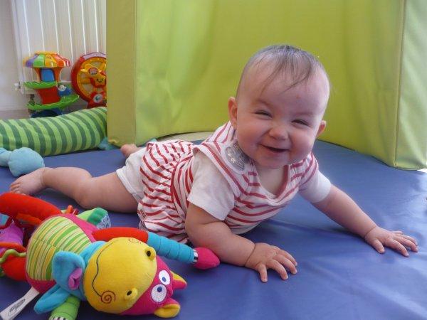 Nelly petite princesse devenue grenouille !!   (pffff....ils font tout à l'envers dans ce conte de fée )